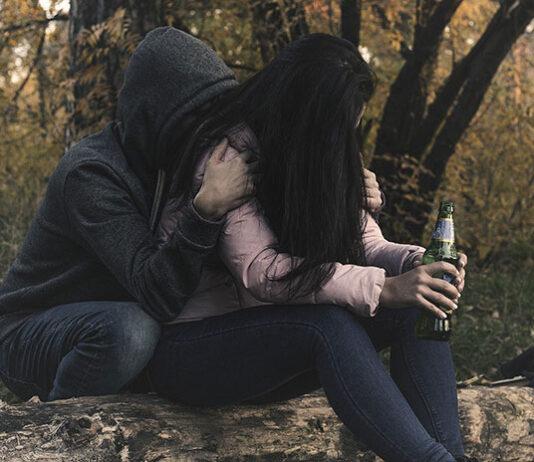 Kobiecy alkoholizm - czym się objawia, jakie są skutki i sposoby leczenia