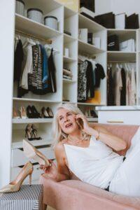 szafa kapsułowa, minimalizm w szafie